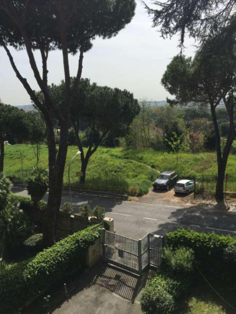 Appartamento in Vendita a Roma via dei colli della farnesina