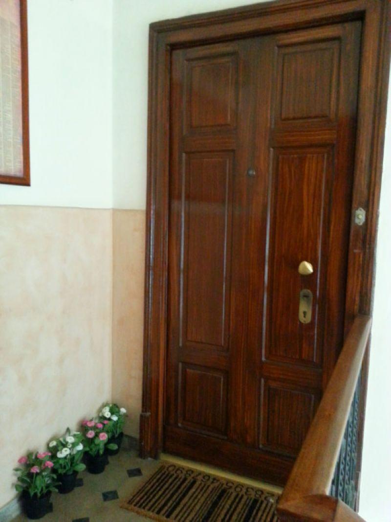 Bilocale Milano Via Breno 3