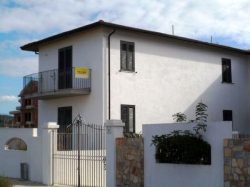 Villetta in vendita a barcellona pozzo di gotto via for Affittare casa a barcellona
