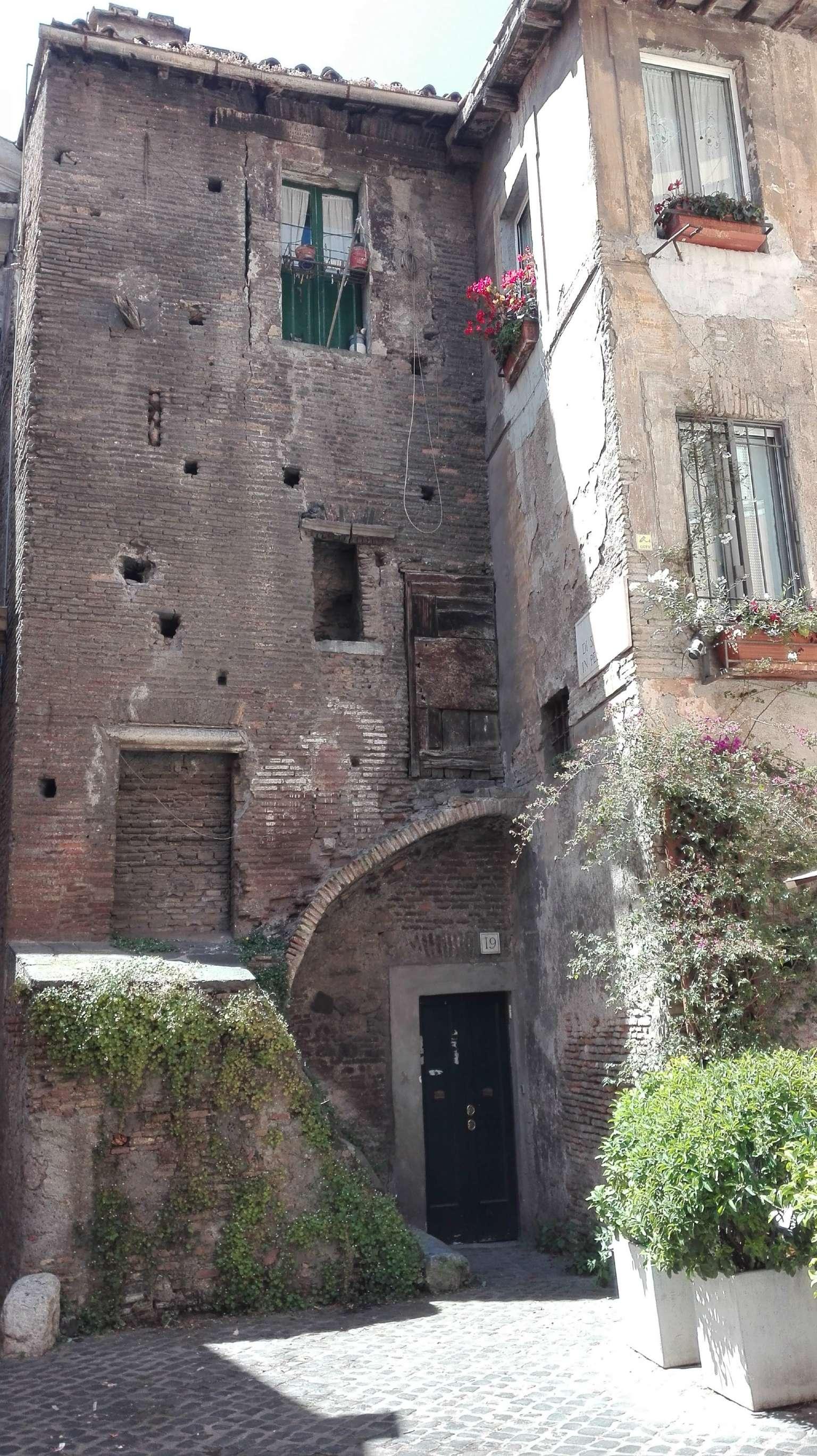 Palazzo / Stabile in vendita a Roma, 2 locali, zona Zona: 1 . Centro storico, Trattative riservate | Cambio Casa.it