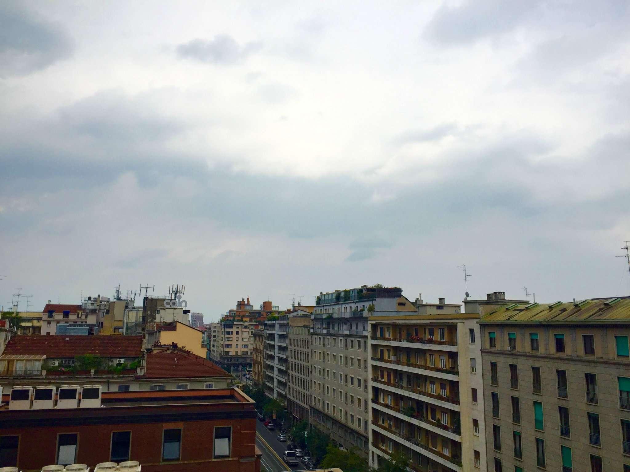 Bilocale Milano Via Savarè 4