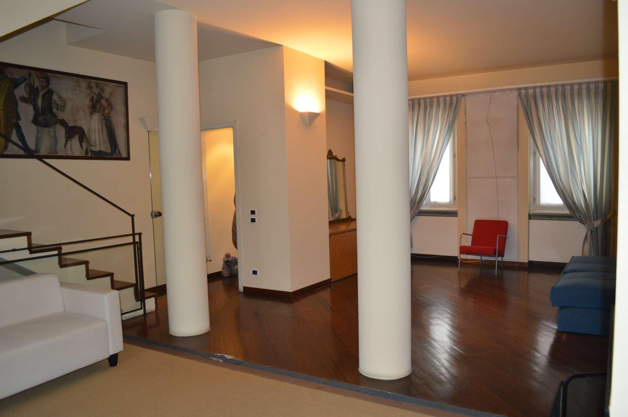 Casa indipendente in Vendita a Milano 03 Venezia / Piave / Buenos Aires: 5 locali, 280 mq