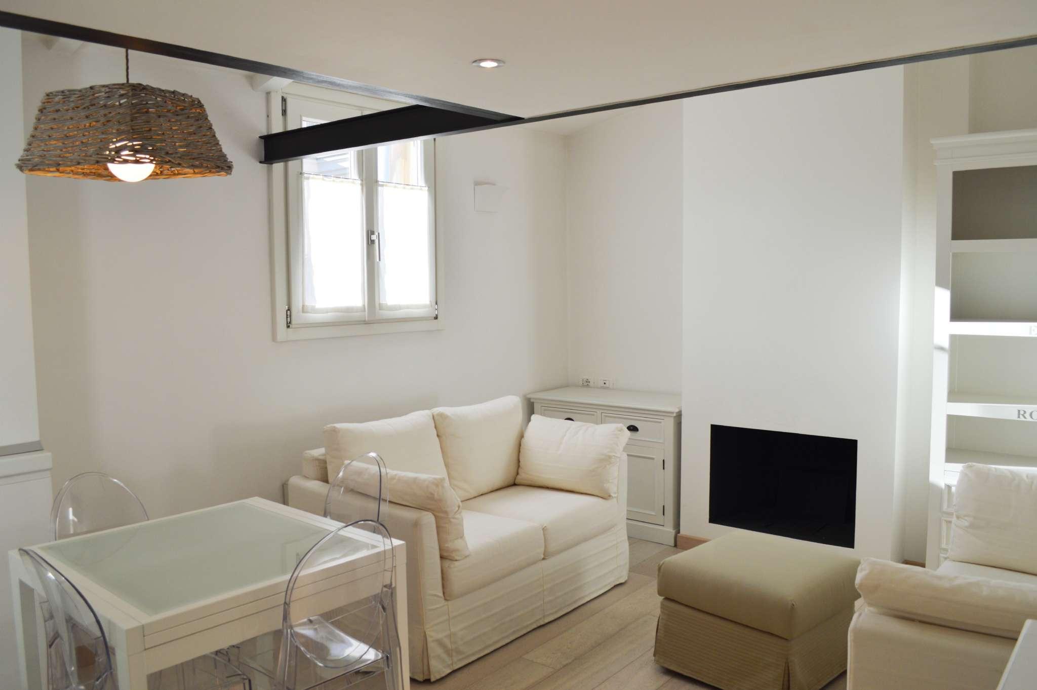Appartamento in Affitto a Milano 01 Centro storico (Cerchia dei Navigli): 2 locali, 40 mq