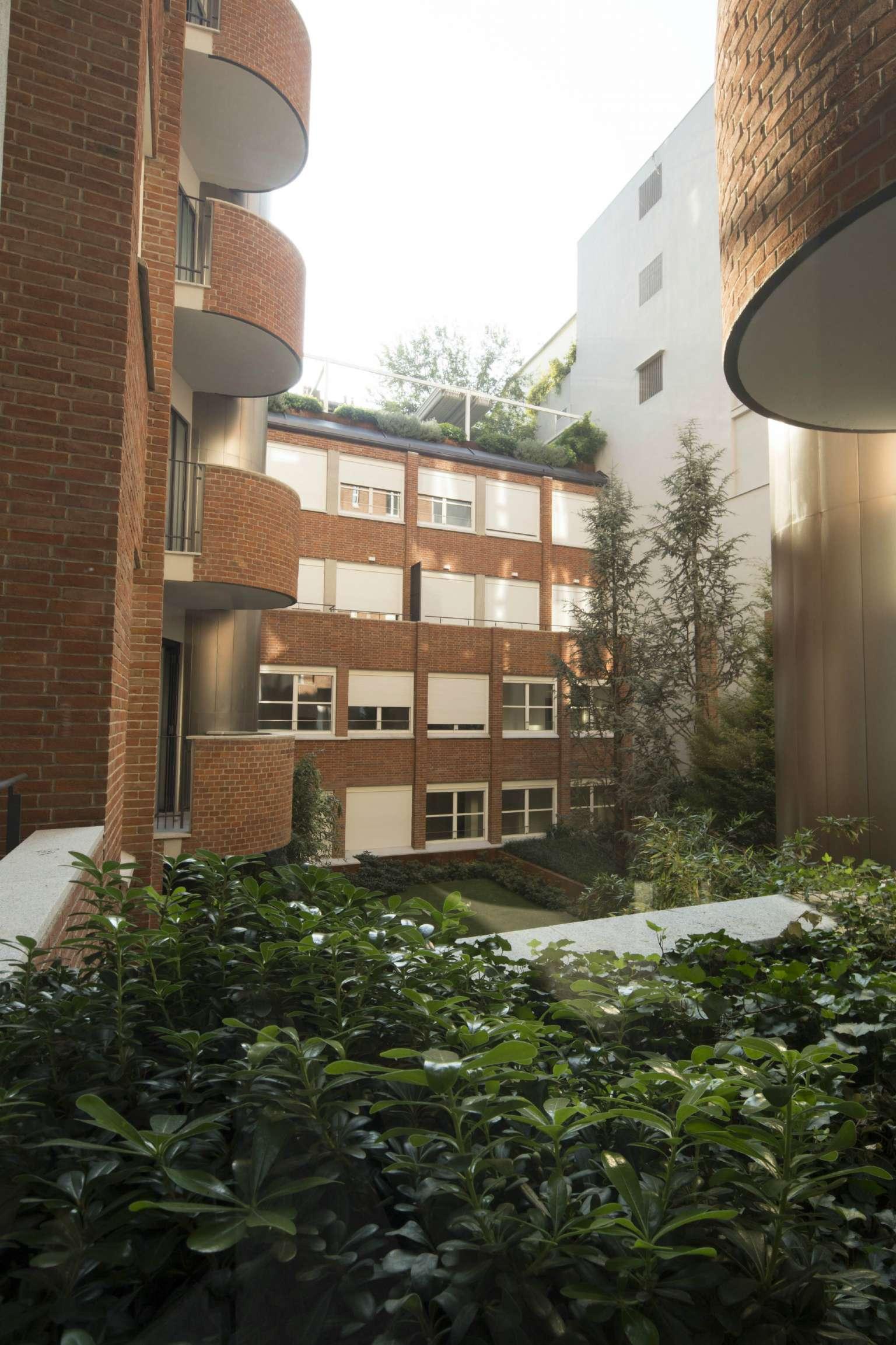 Appartamento in Vendita a Milano 01 Centro storico (Cerchia dei Navigli):  2 locali, 82 mq  - Foto 1