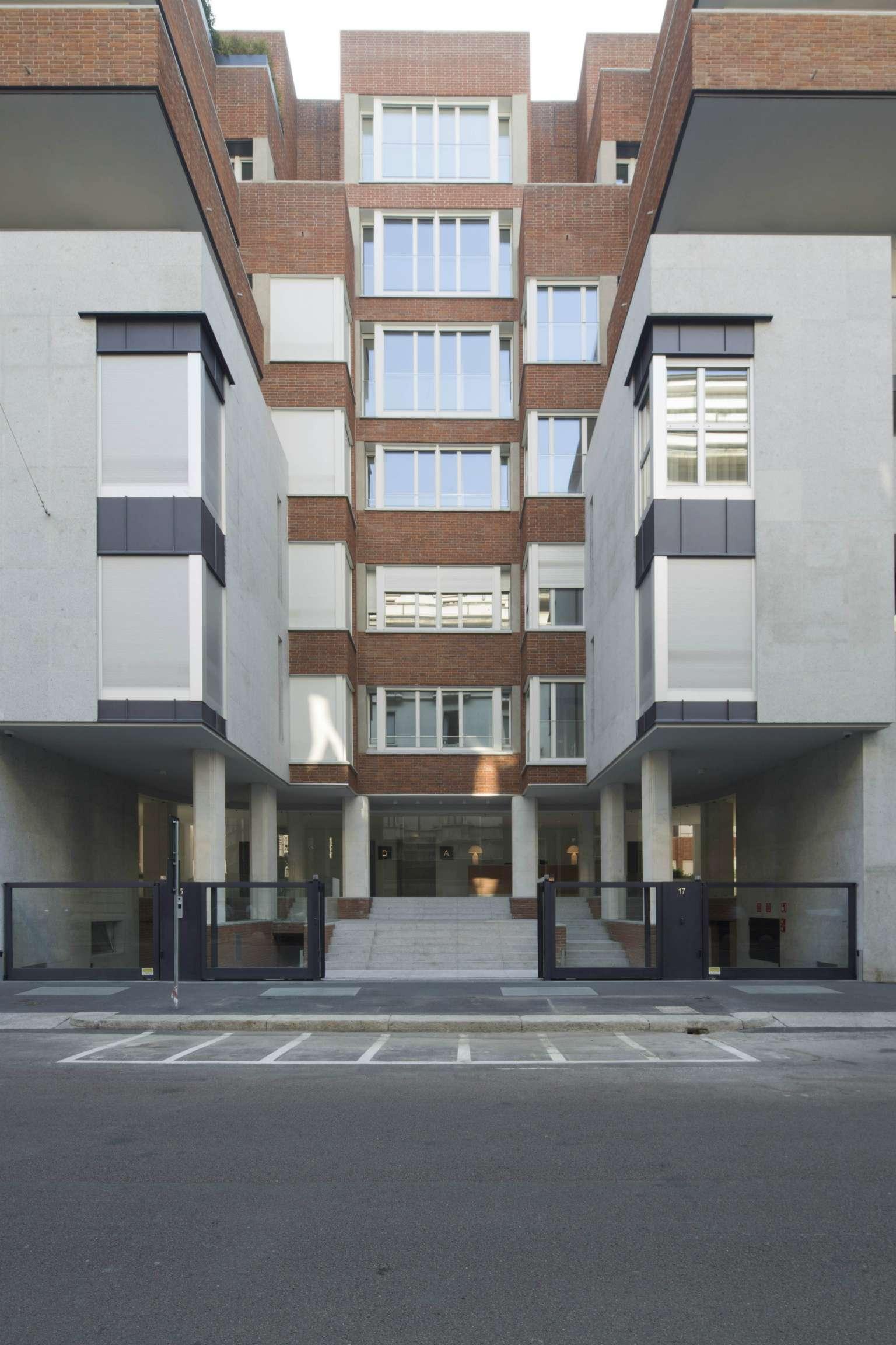 Appartamento in Vendita a Milano 01 Centro storico (Cerchia dei Navigli):  3 locali, 150 mq  - Foto 1
