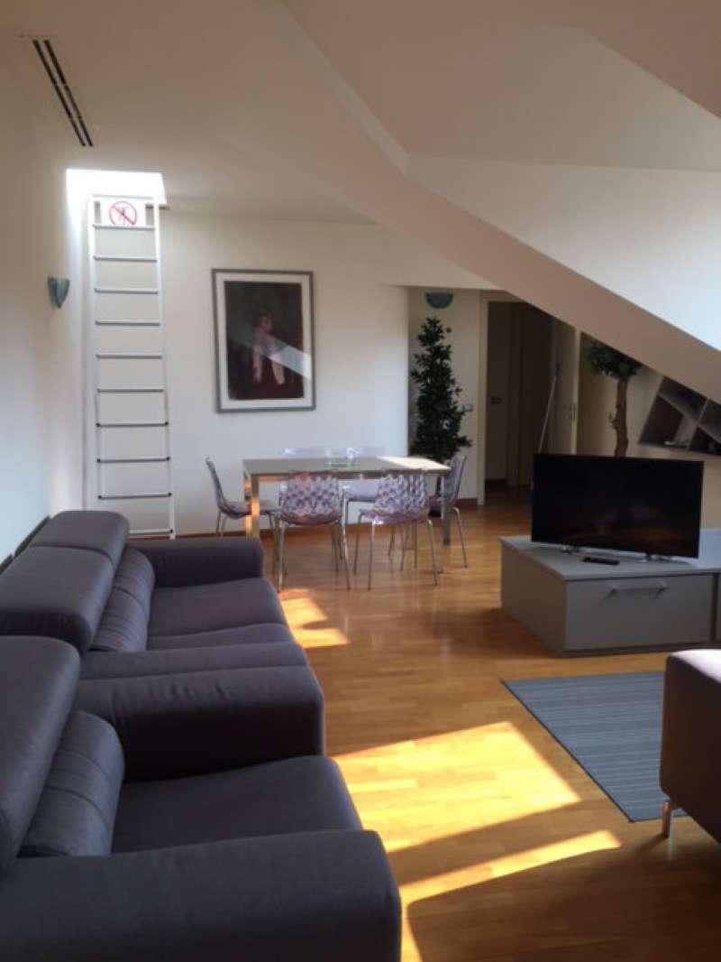 Appartamento in Vendita a Milano 01 Centro storico (Cerchia dei Navigli):  4 locali, 130 mq  - Foto 1
