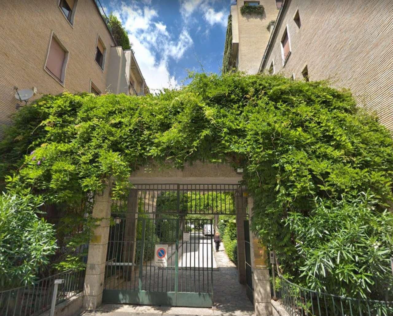 Appartamento in Affitto a Milano 07 Darsena /  Ticinese: 3 locali, 121 mq