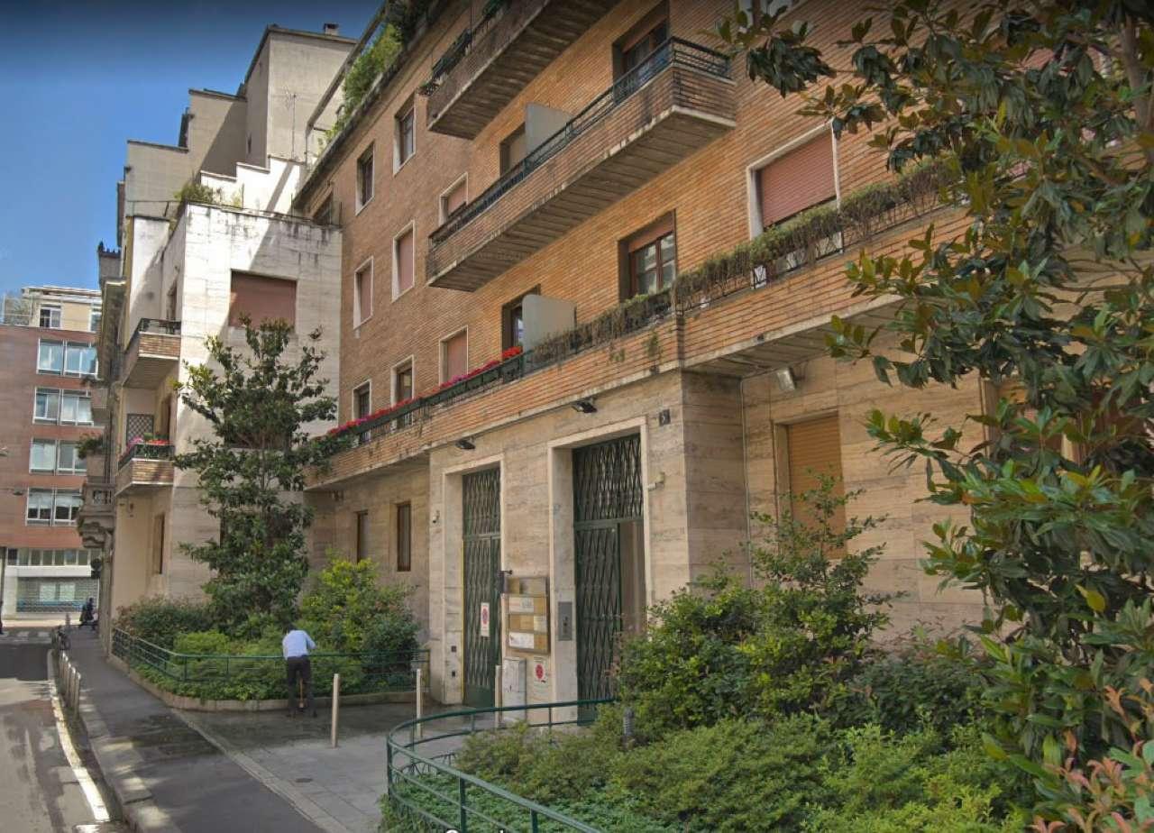Ufficio-studio in Affitto a Milano 07 Darsena /  Ticinese: 3 locali, 108 mq