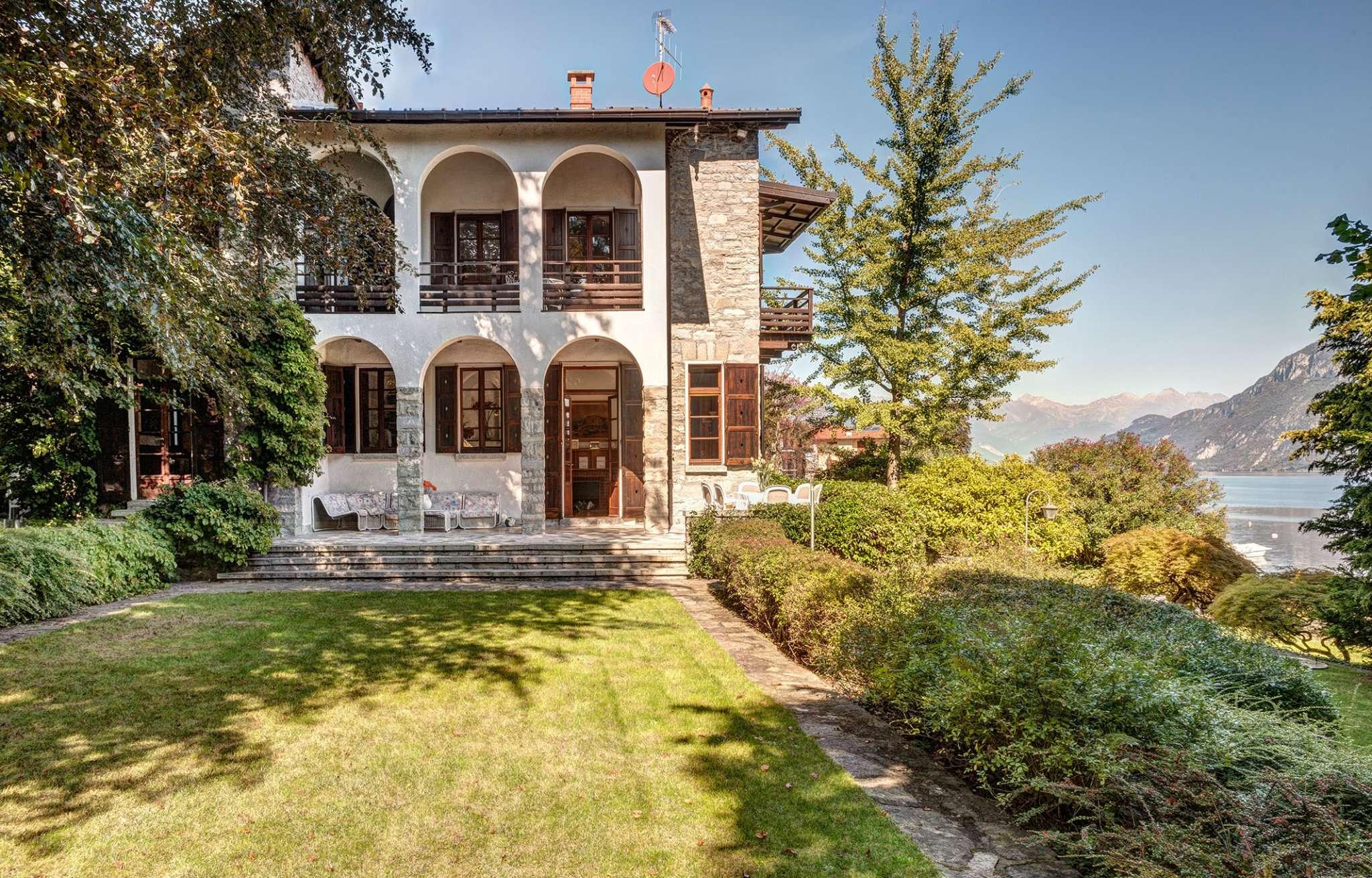 Villa in Vendita a Oliveto Lario: 5 locali, 500 mq