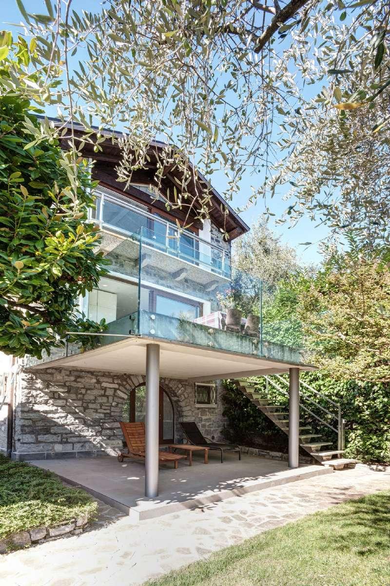Villa in Vendita a Oliveto Lario: 215 mq