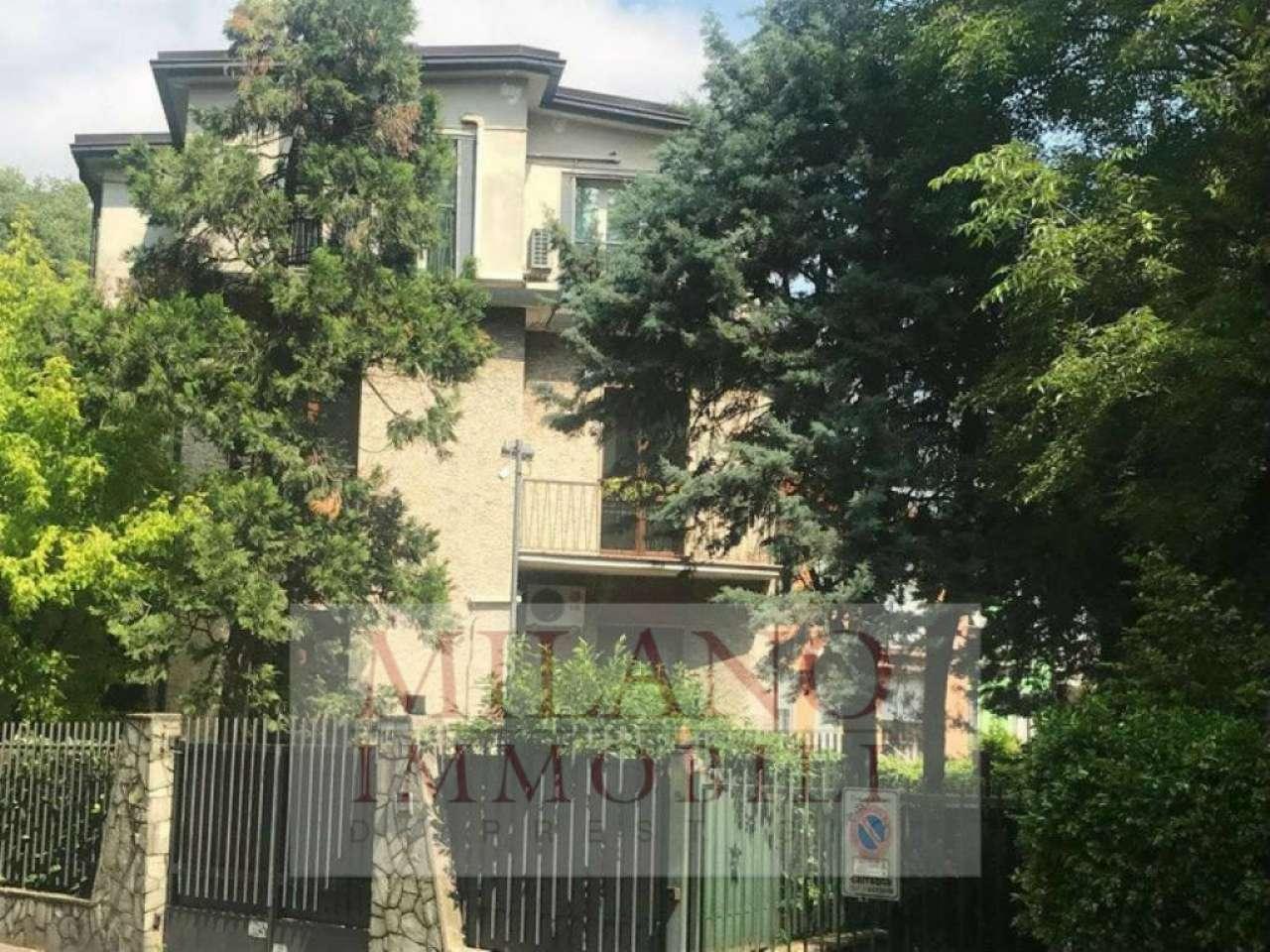 Ufficio-studio in Affitto a Milano 18 Ippodromo / San Siro / Zavattari: 5 locali, 180 mq