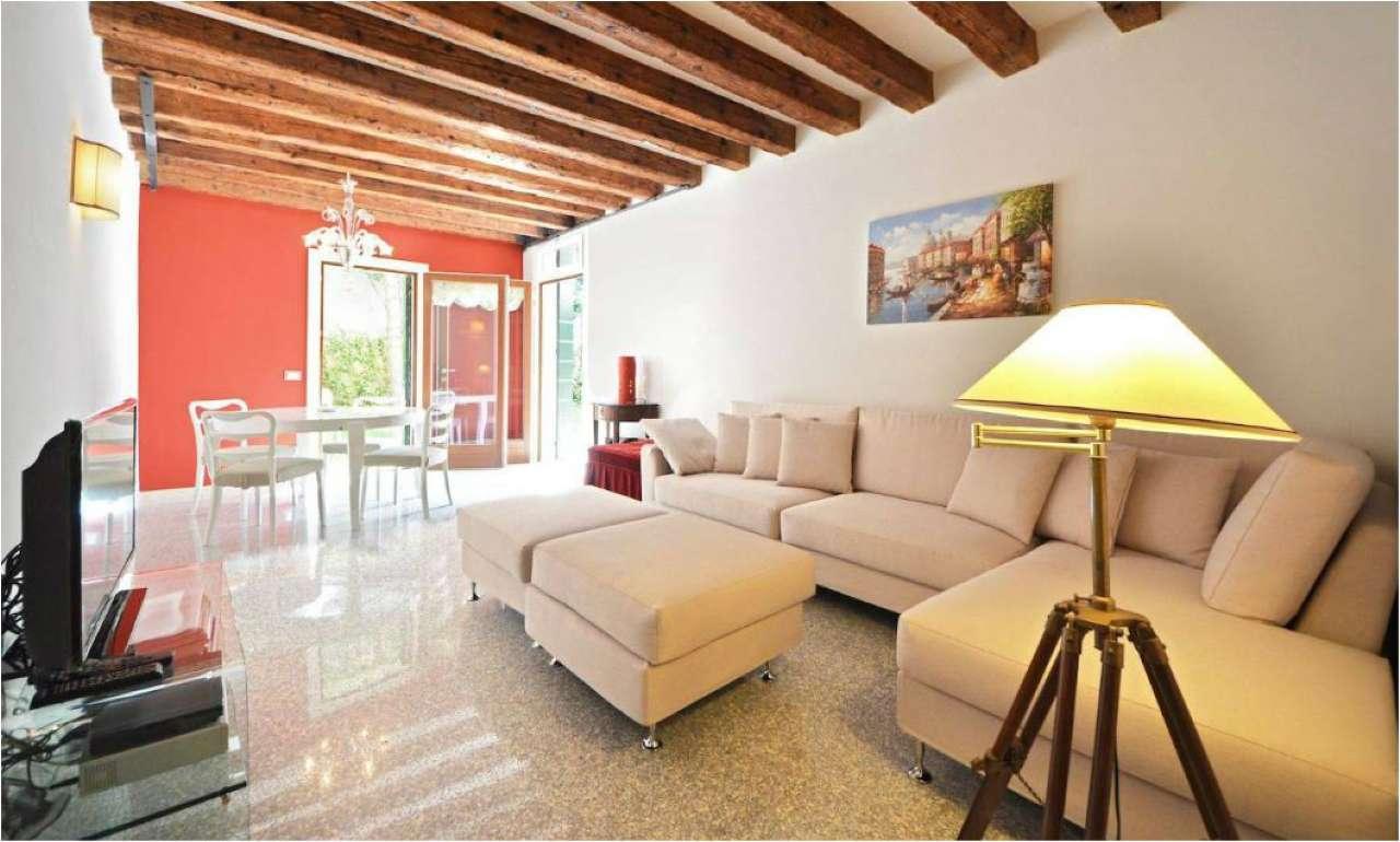 Appartamento in Vendita a Venezia Semicentro Sud: 3 locali, 80 mq