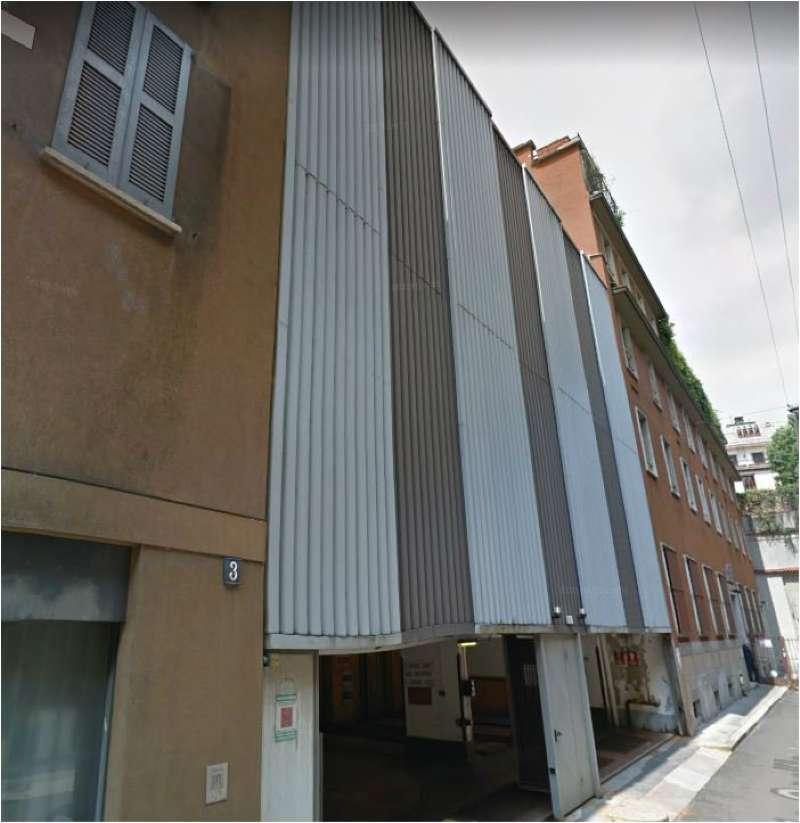 Posto-box auto in Affitto a Milano 01 Centro storico (Cerchia dei Navigli): 1 locali, 11 mq