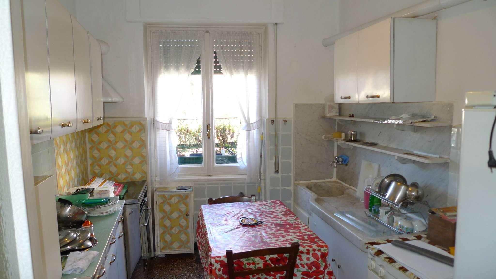 Bilocale Genova Via Tanini 7