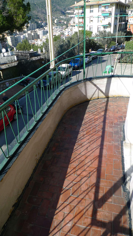Bilocale Genova Via Tanini 11