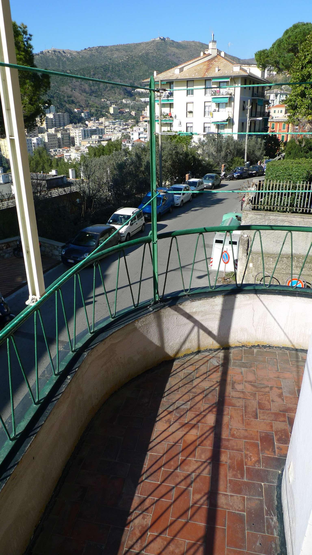 Bilocale Genova Via Tanini 12
