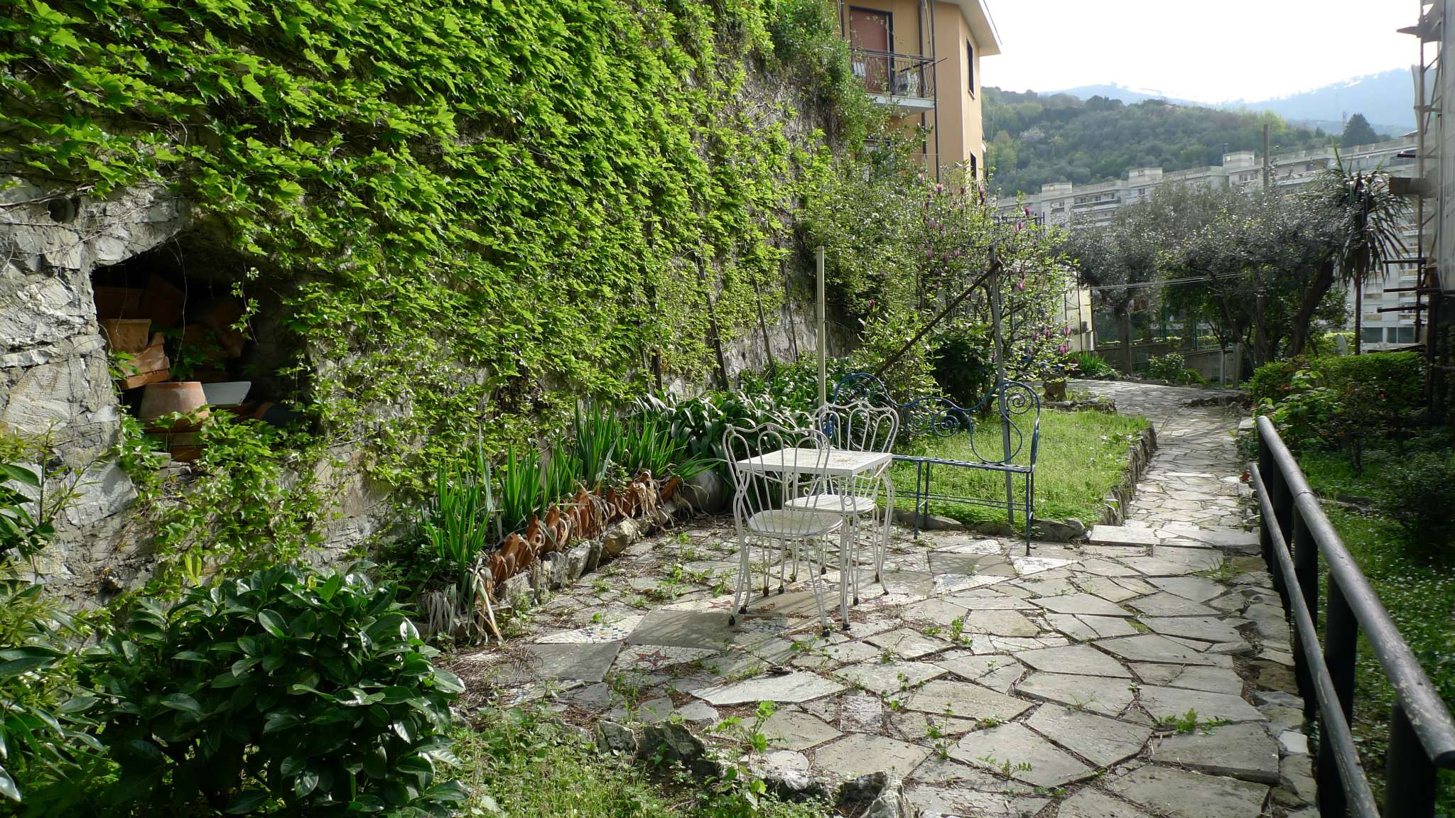Bilocale Genova Via Pianeletti 11
