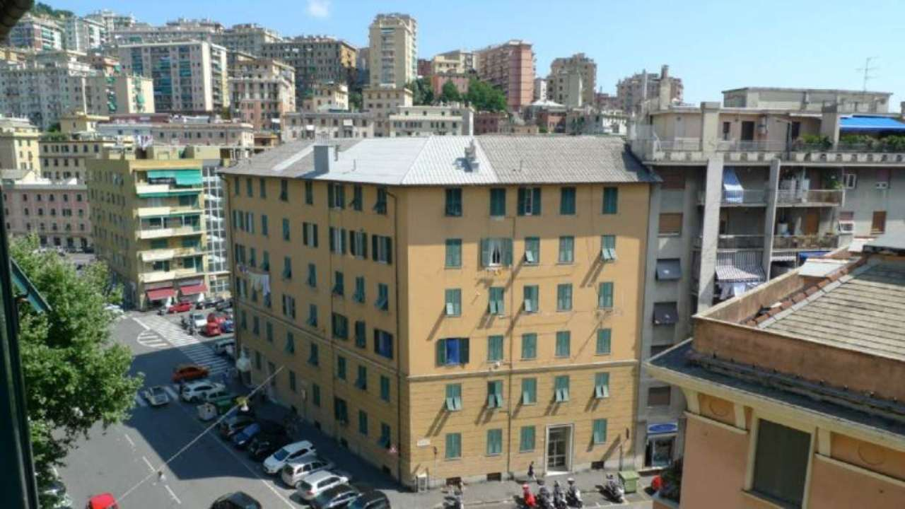 Bilocale Genova Via Marassi 2