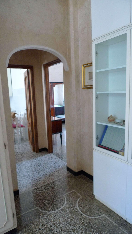 Bilocale Genova Via Marassi 4