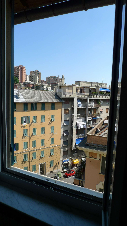 Bilocale Genova Via Marassi 1