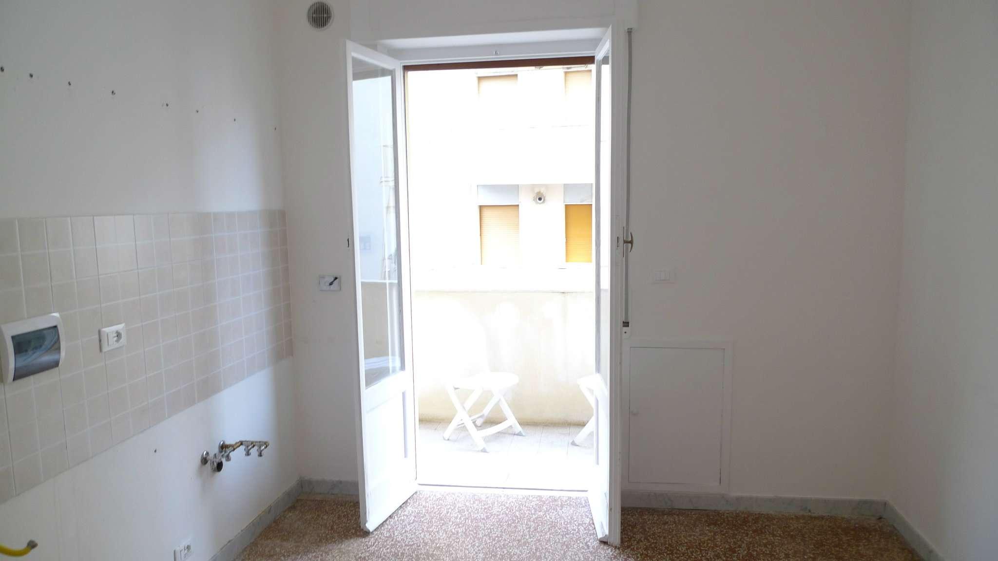 Bilocale vendita genova zona quarto for Planimetrie dei quartieri suocera