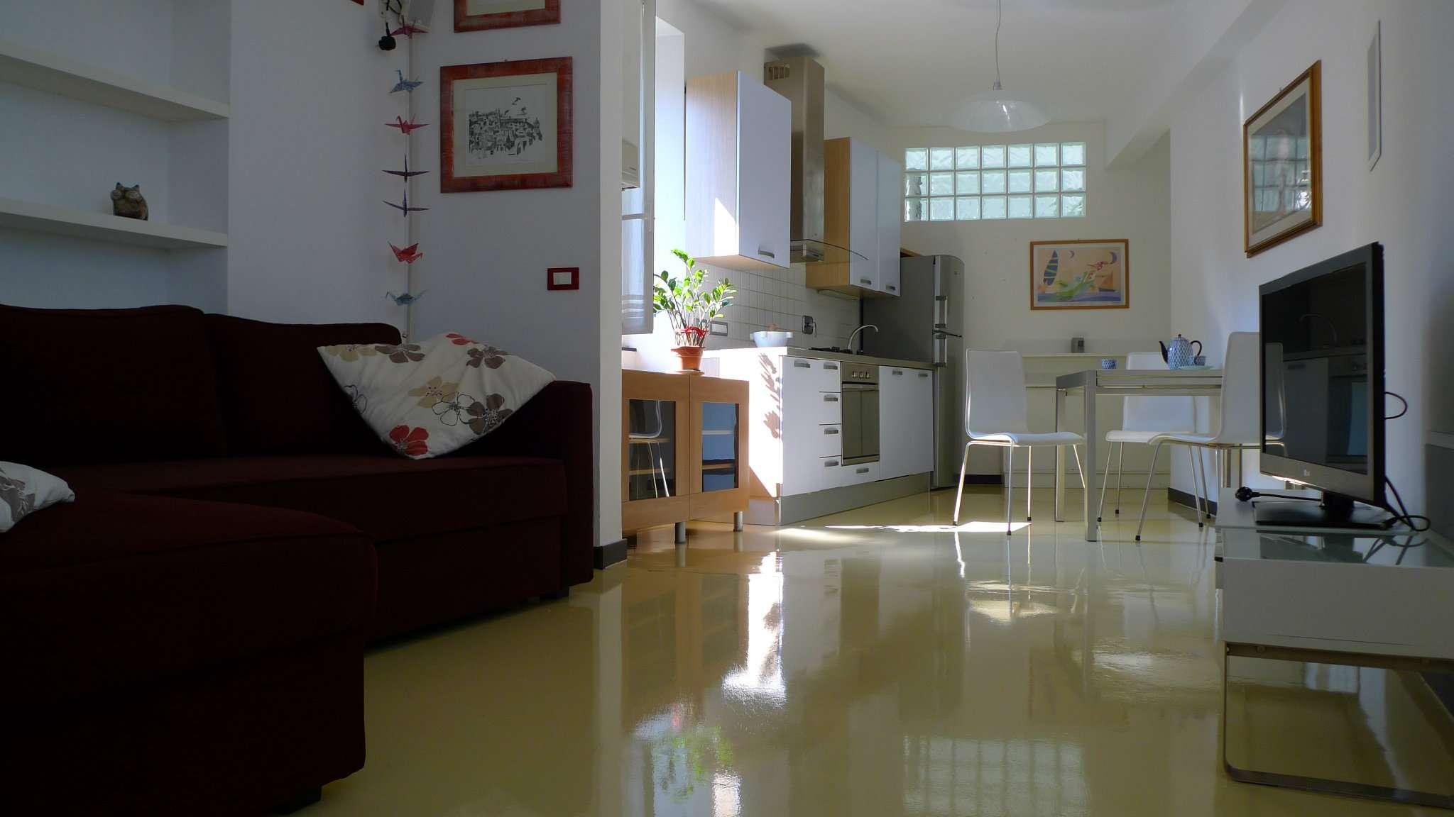 Foto 1 di Appartamento vico Barnabiti, Genova (zona Carignano, Castelletto, Albaro, Foce)