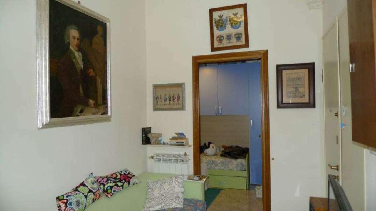 Bilocale Genova Via Cellini 3
