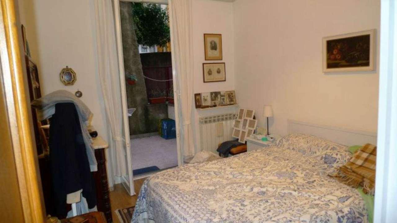 Bilocale Genova Via Cellini 9