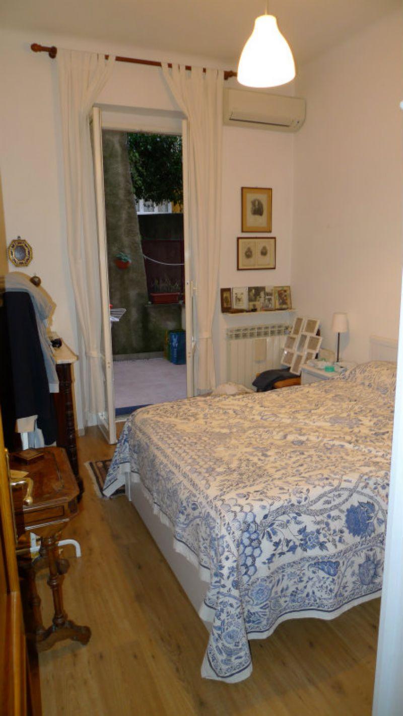Bilocale Genova Via Cellini 10