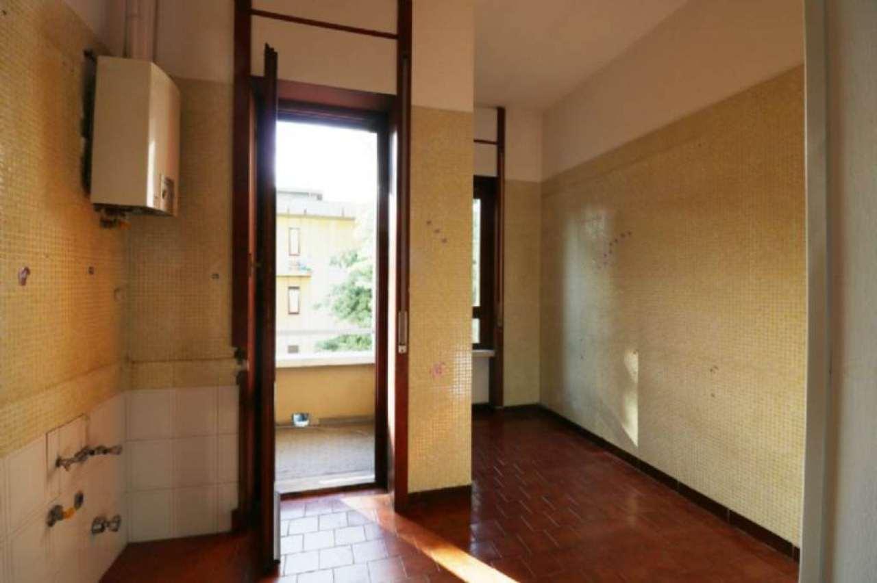 Bilocale Torino Via Servais 8