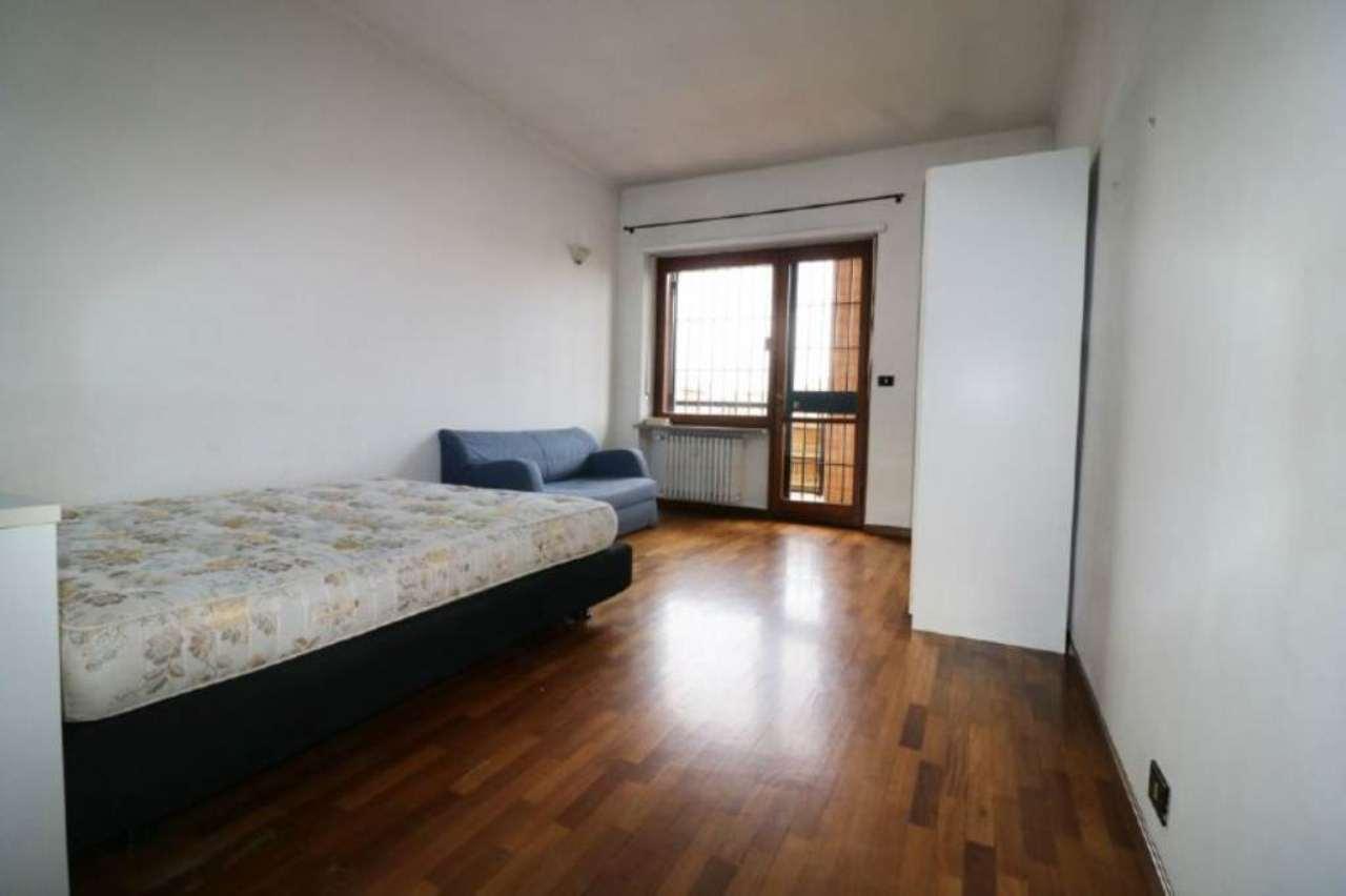 Bilocale Torino Corso Cosenza 11