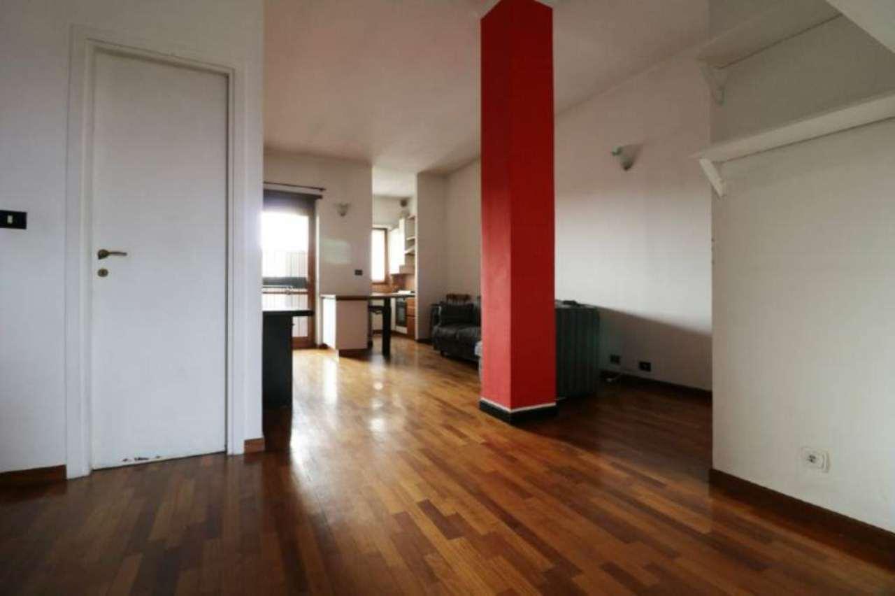 Bilocale Torino Corso Cosenza 4