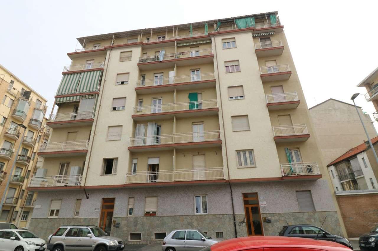 Immagine immobiliare Alloggio luminoso e panoramico di mq 60, piano 5° con ascensore, ingresso, tinello, cucinino, camera, bagno, ripostiglio, 2 balconi e cantina. Completamente ristrutturato.
