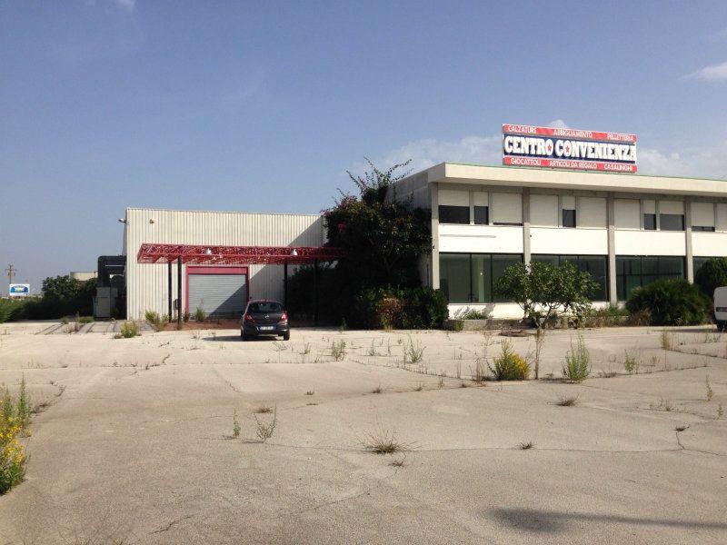 Immobile Commerciale in vendita a Modugno, 9999 locali, prezzo € 980.000 | Cambio Casa.it