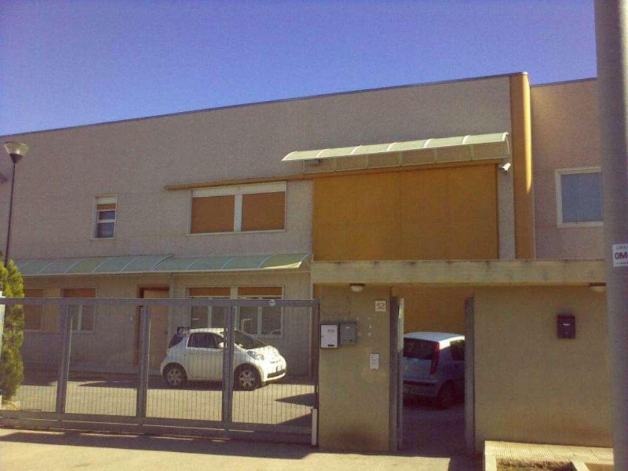 Capannone in vendita a Modugno, 9999 locali, prezzo € 245.000 | Cambio Casa.it
