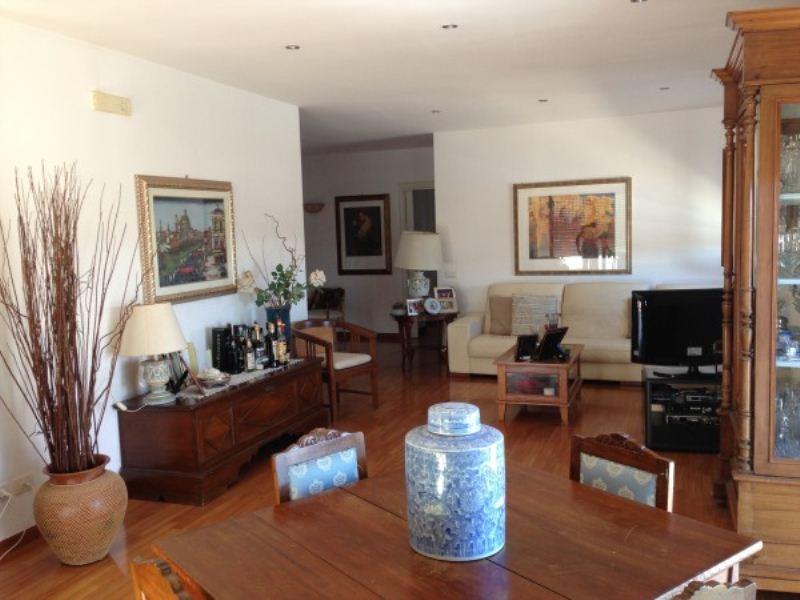 Attico / Mansarda in vendita a Modugno, 5 locali, prezzo € 280.000 | Cambio Casa.it