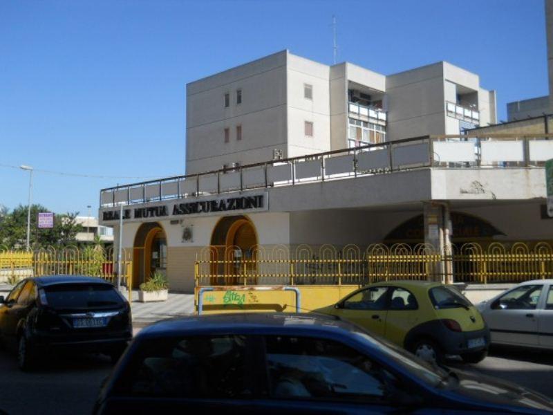 Negozio / Locale in vendita a Modugno, 9999 locali, Trattative riservate | Cambio Casa.it