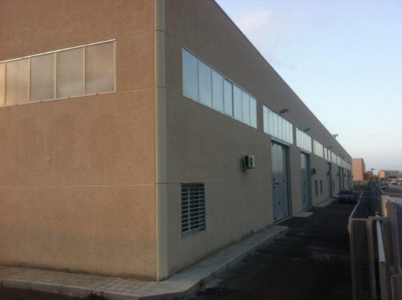 Capannone in vendita a Bari, 9999 locali, prezzo € 245.000 | Cambio Casa.it