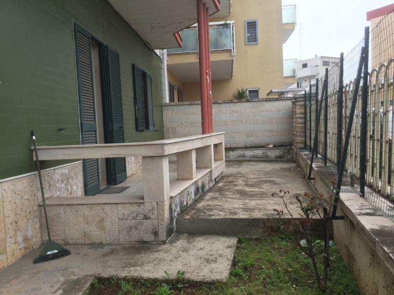 Soluzione Indipendente in vendita a Modugno, 8 locali, prezzo € 400.000 | Cambio Casa.it