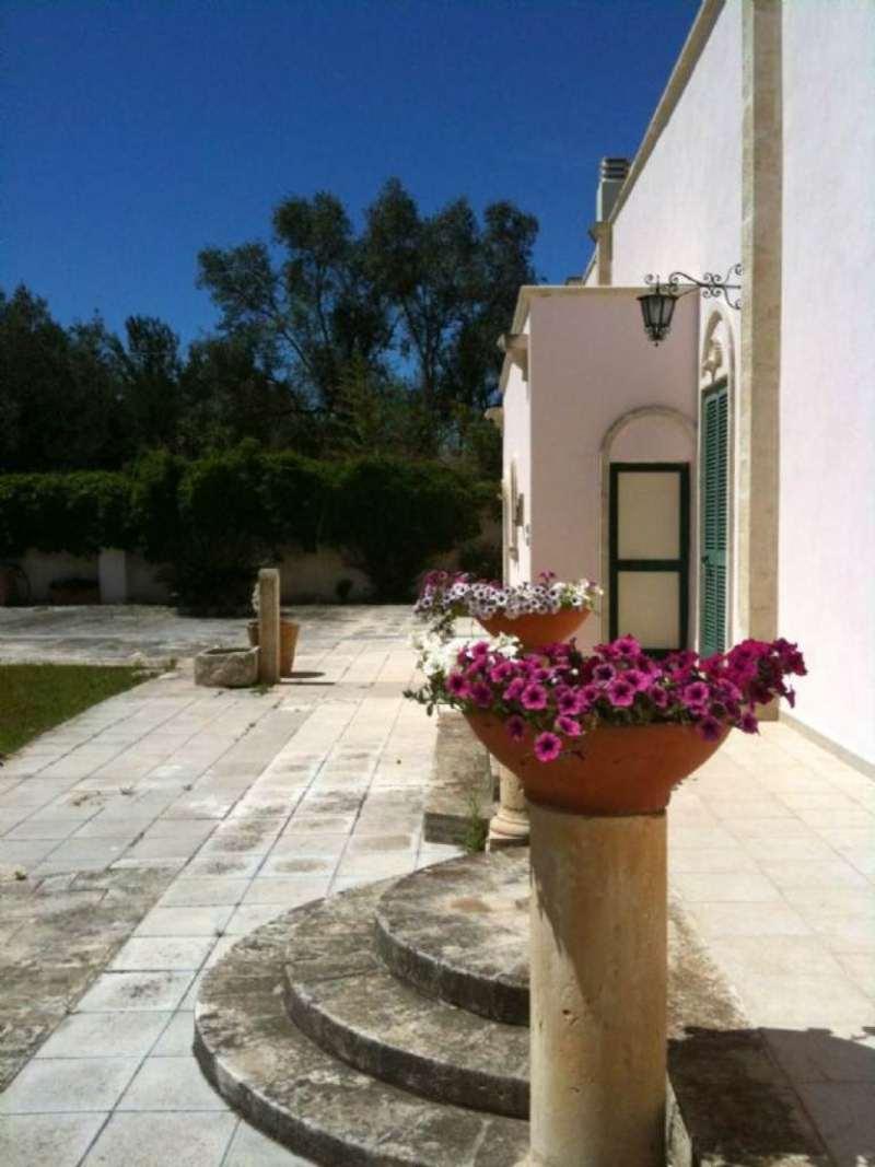 Villa in vendita a Lecce, 8 locali, prezzo € 980.000 | CambioCasa.it