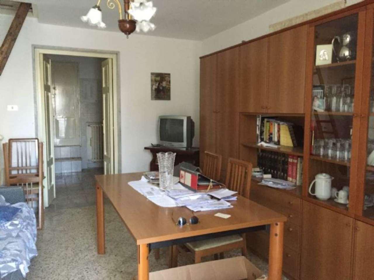 Soluzione Indipendente in vendita a Modugno, 4 locali, prezzo € 235.000 | Cambio Casa.it