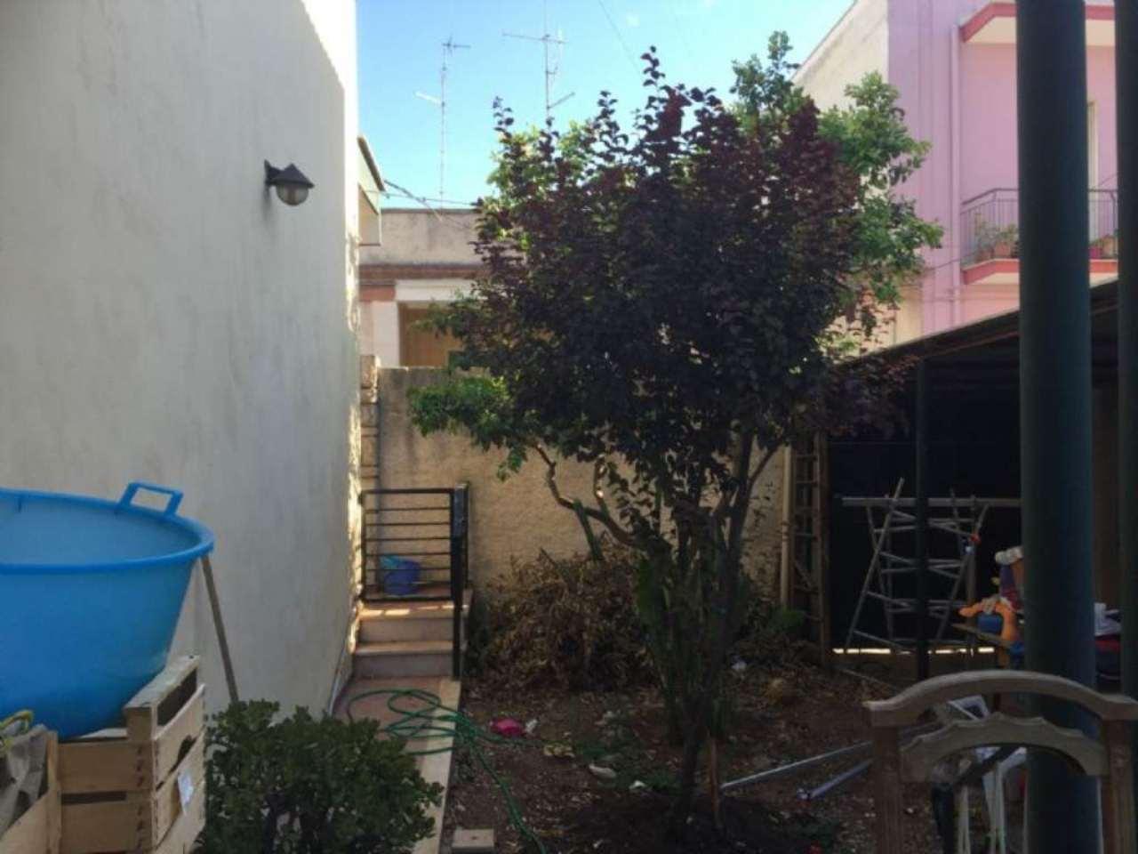 Villa in vendita a Modugno, 4 locali, prezzo € 550.000 | Cambio Casa.it