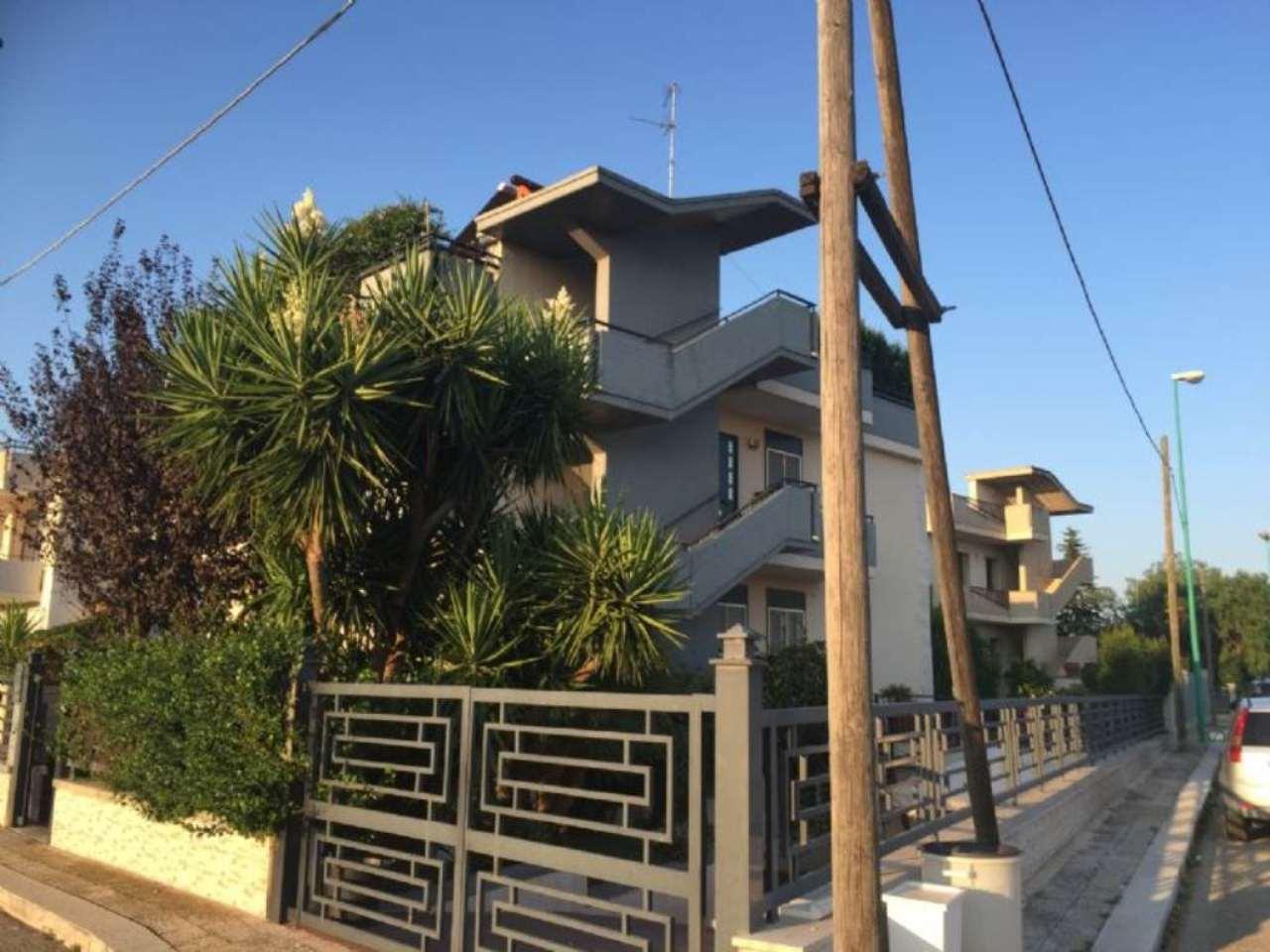 Soluzione Indipendente in vendita a Binetto, 6 locali, prezzo € 245.000 | Cambio Casa.it