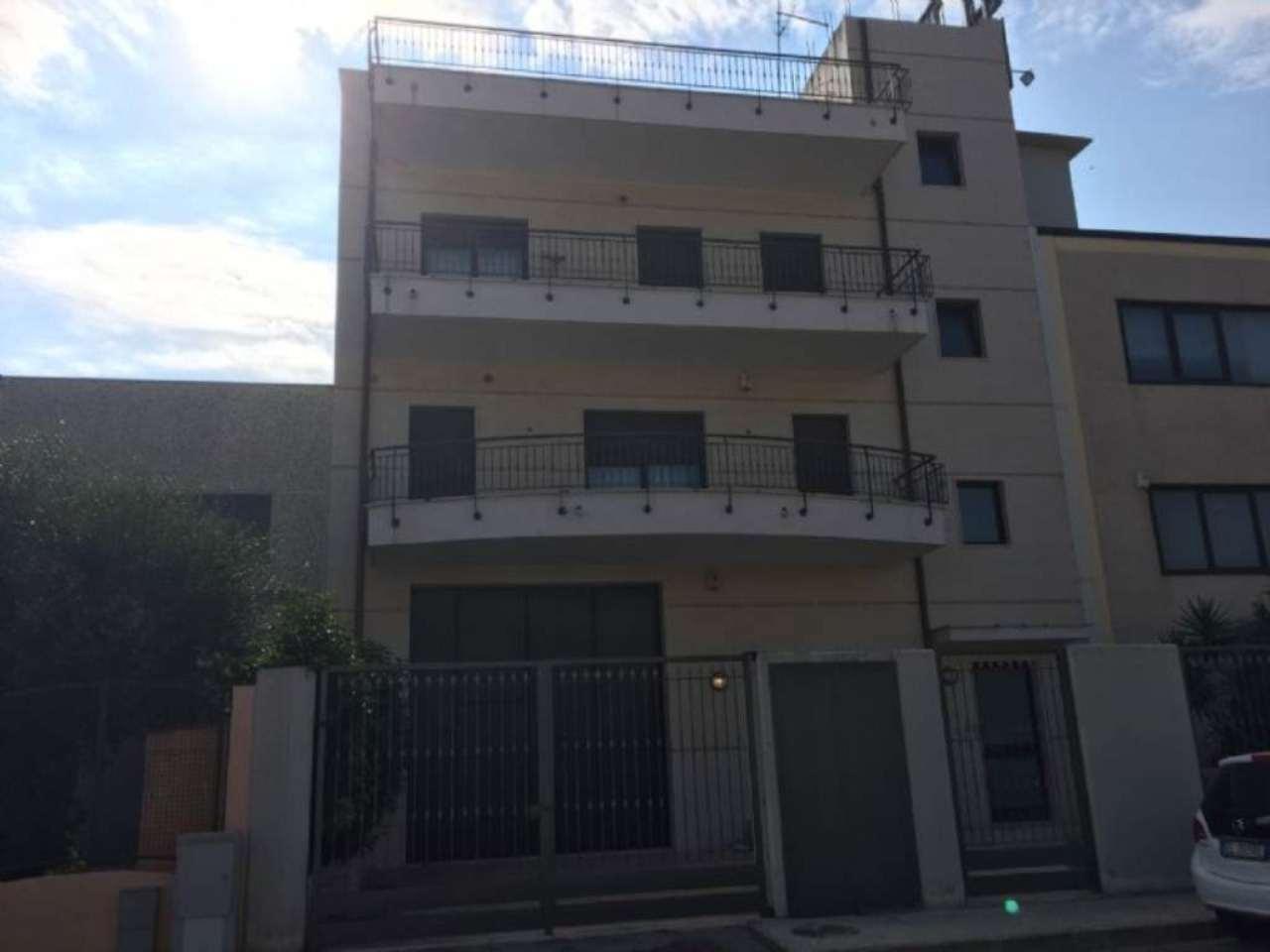 Palazzo / Stabile in vendita a Modugno, 9999 locali, prezzo € 280.000 | CambioCasa.it