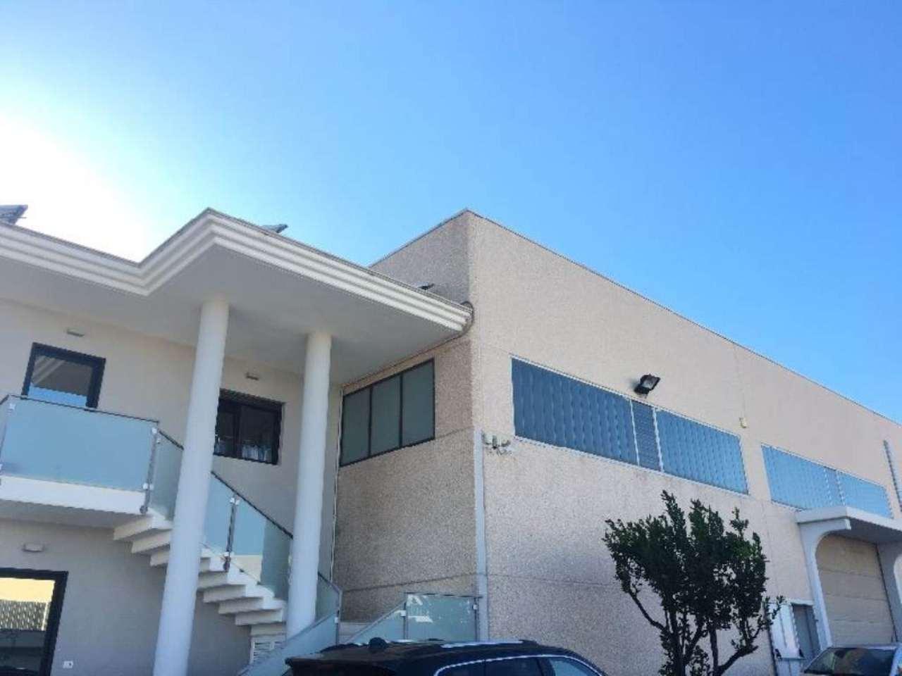 Capannone in affitto a Modugno, 9999 locali, prezzo € 2.000 | Cambio Casa.it