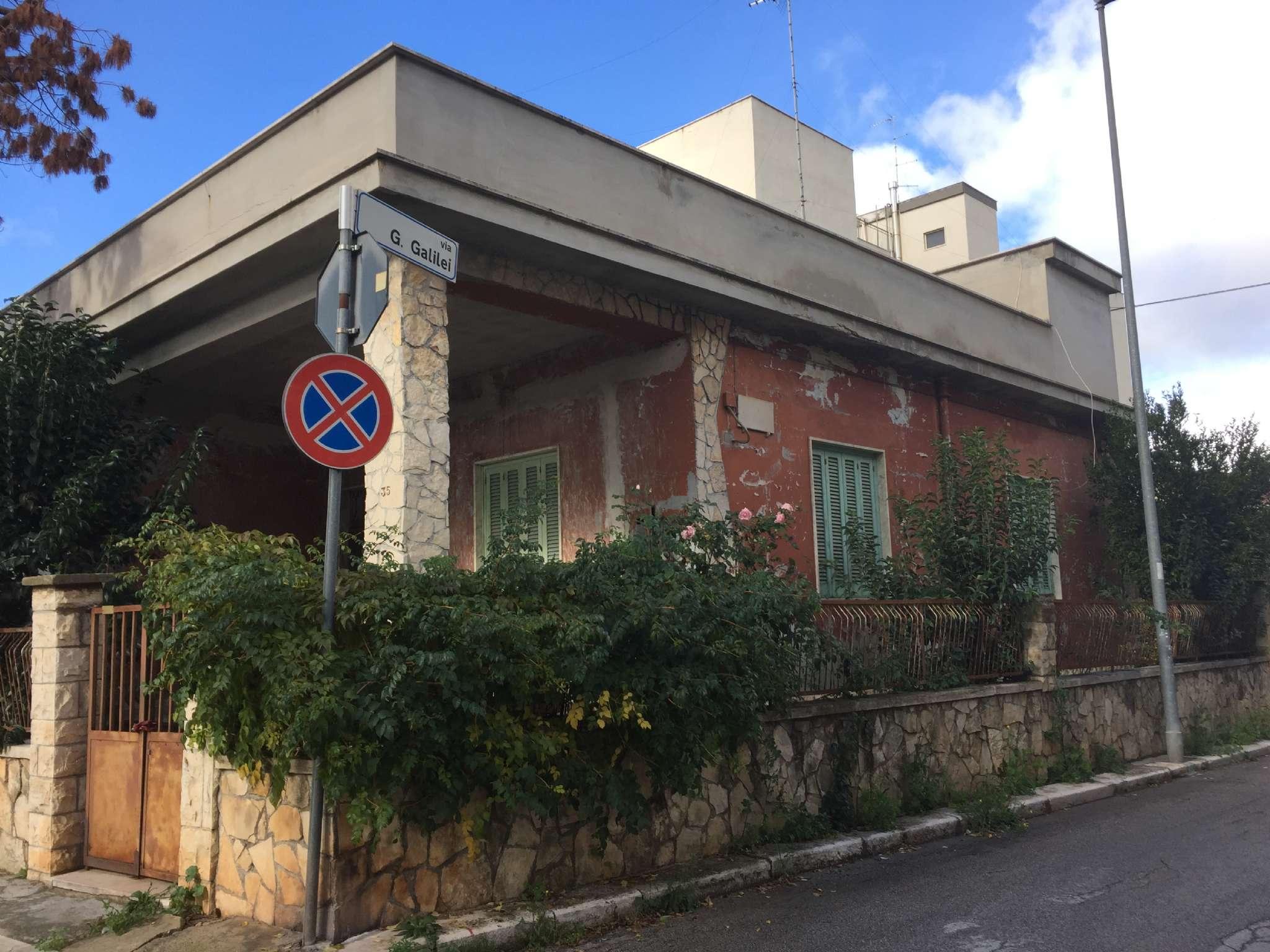 Villa in vendita a Modugno, 4 locali, prezzo € 315.000 | Cambio Casa.it
