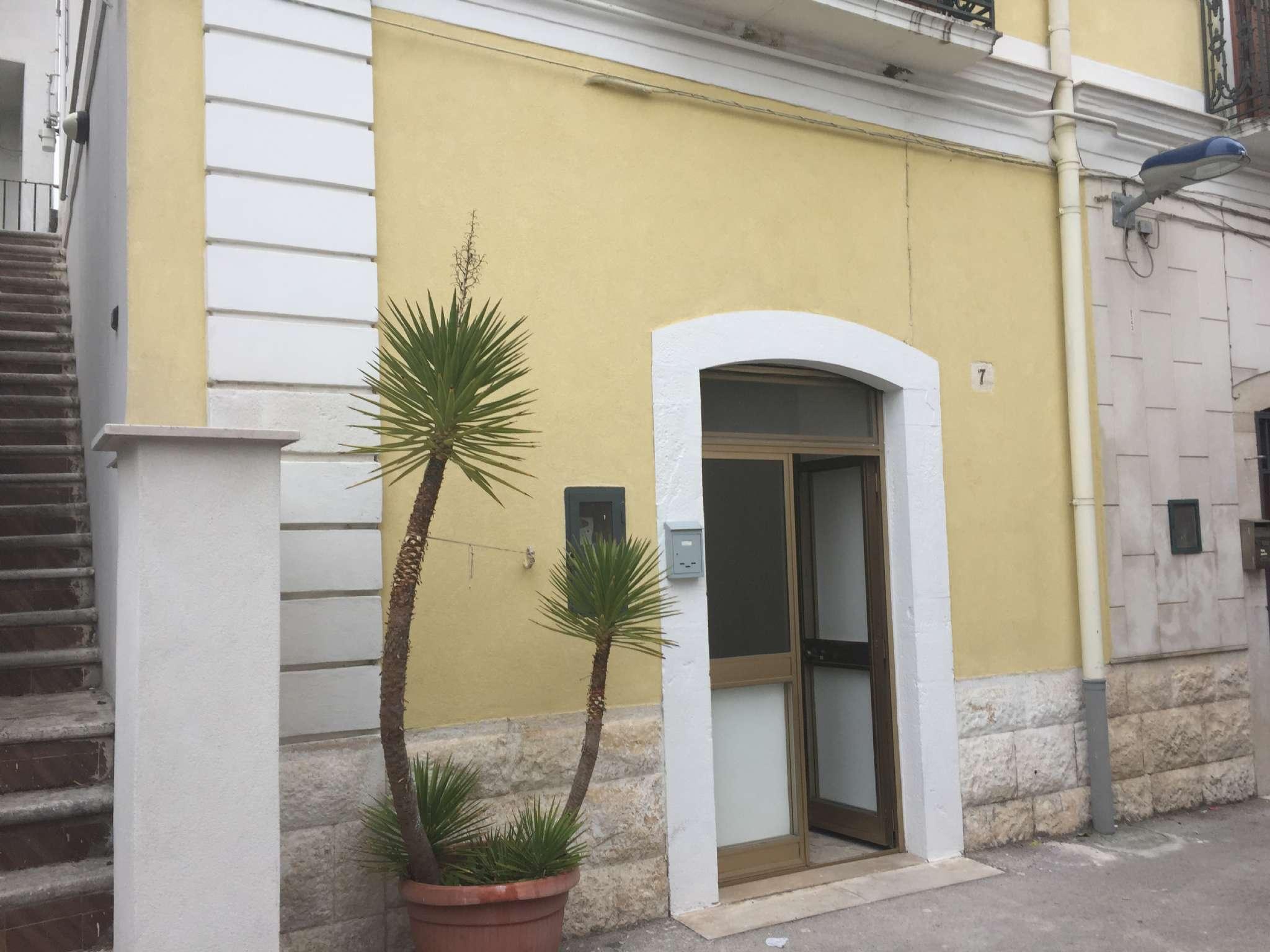 Soluzione Indipendente in affitto a Modugno, 2 locali, prezzo € 350 | Cambio Casa.it