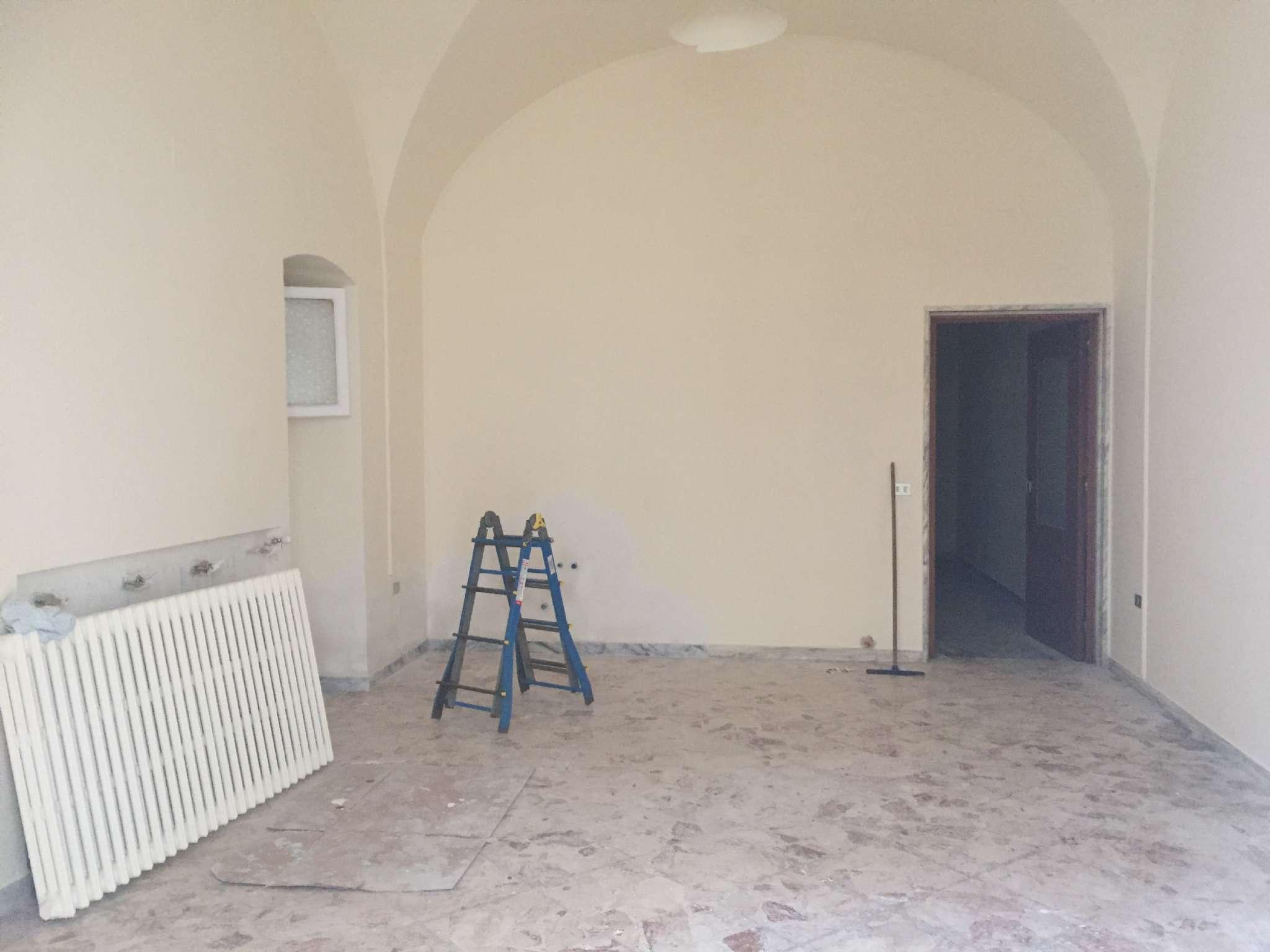Bilocale Modugno Via Cesare Battisti 2