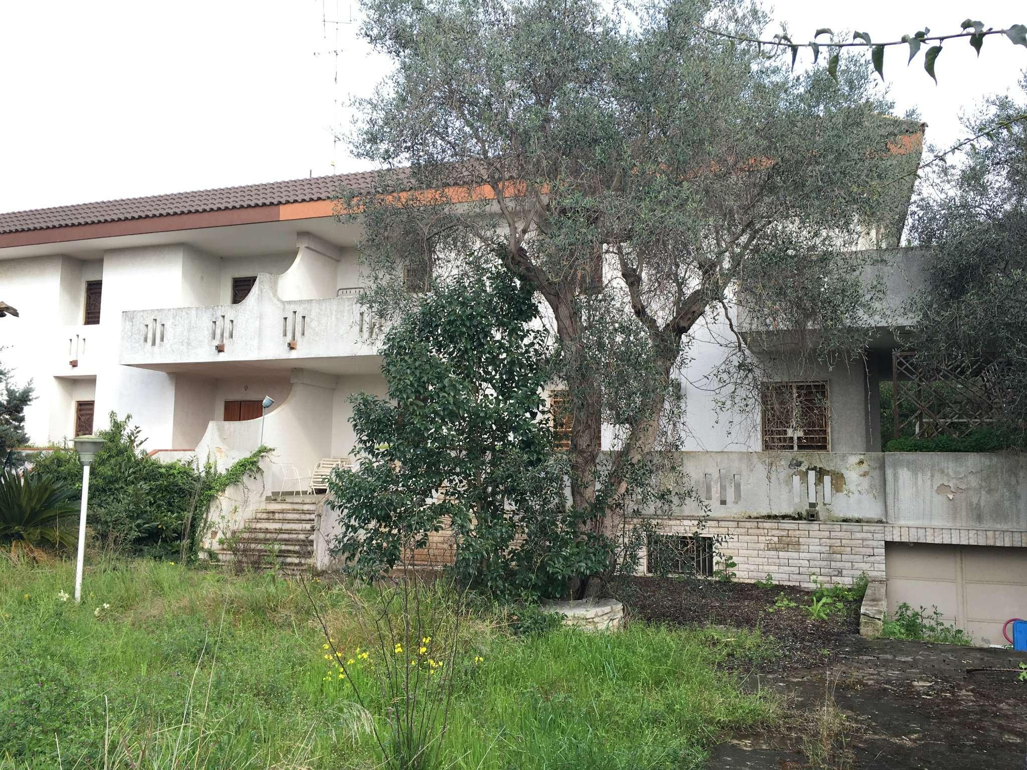 Villa in vendita a Bari, 7 locali, prezzo € 390.000 | Cambio Casa.it