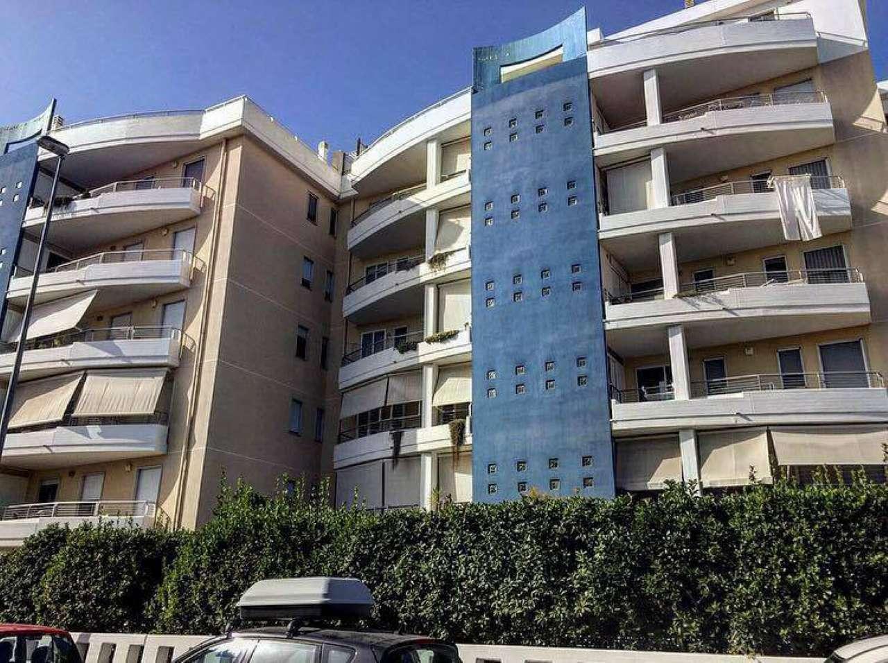 Appartamento in vendita a Modugno, 6 locali, prezzo € 340.000 | CambioCasa.it